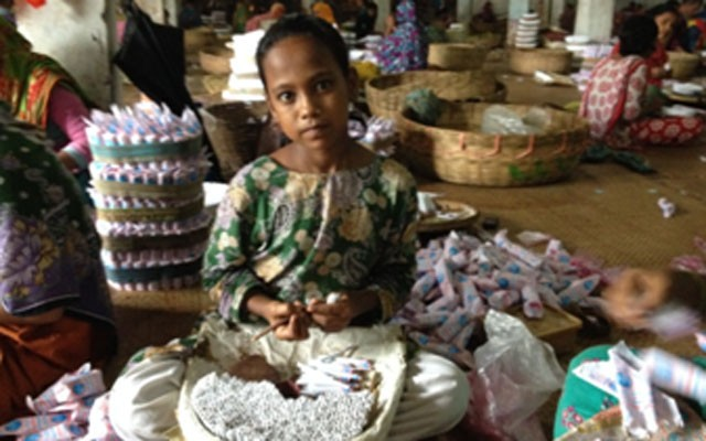 Child Labour Dominate In Bidi Factories In Bangladesh