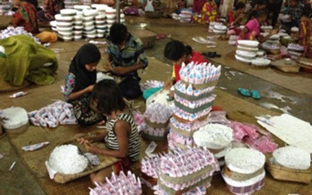 children-work-in-bidi-facto